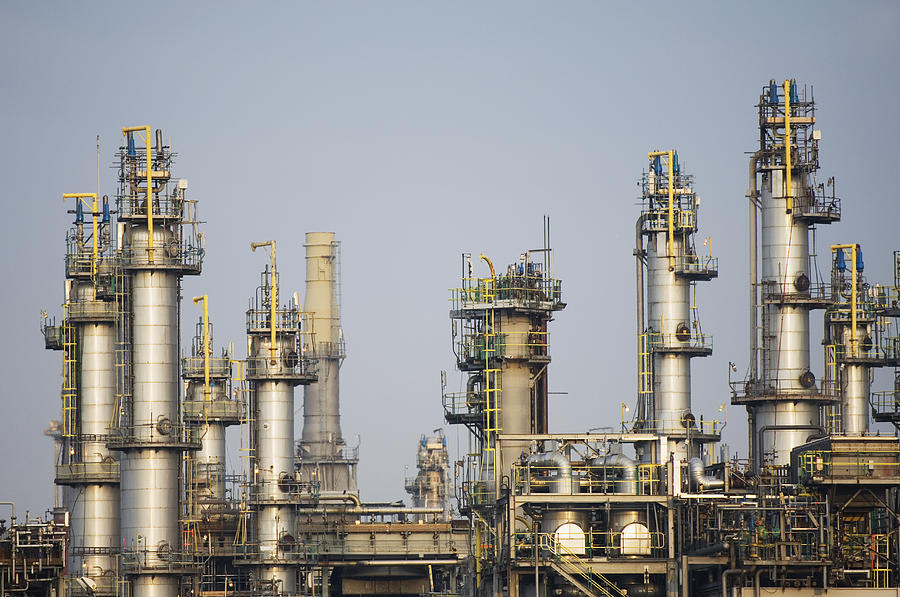 Refinery towers using ASME pressure vessel connections